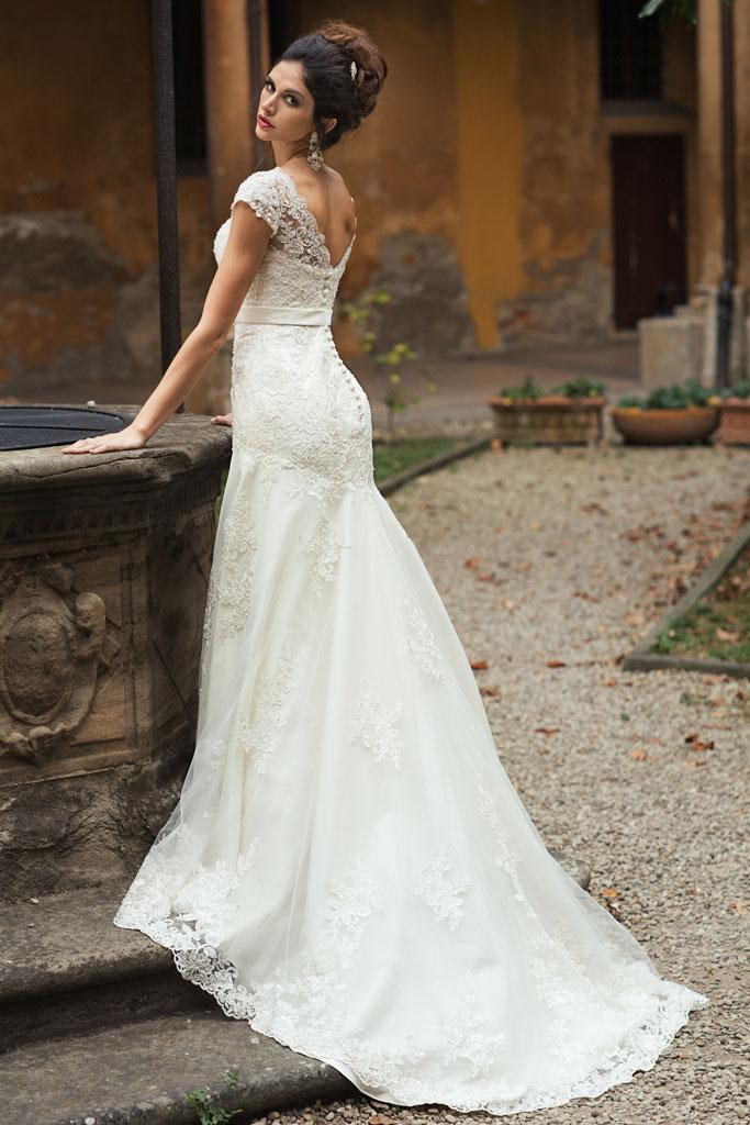 Kolekcja Annais 2015 Suknie ślubne Annais Demetrios Anabelle