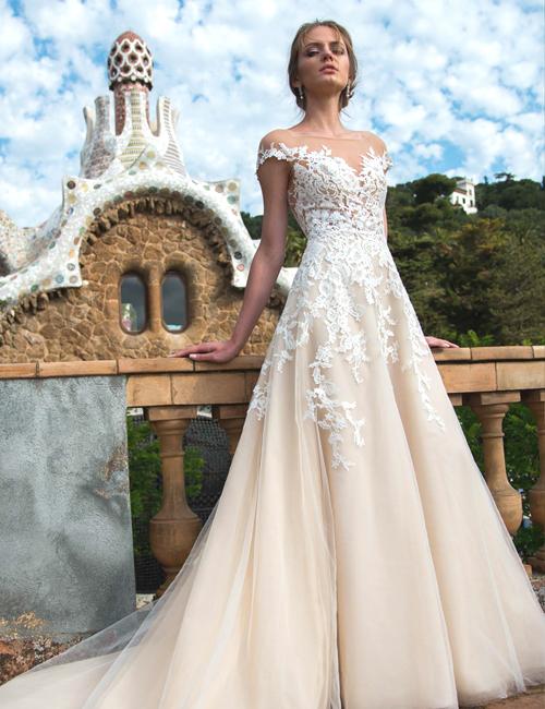 83f52cd6ea Suknie ślubne Dominiss to kolejna nowa marka w naszym salonie - suknie  ślubne lekkie i delikatne. Suknie dostępne w salonie
