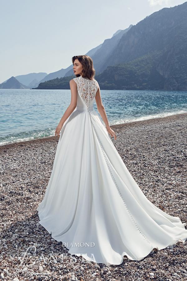76e4ea2efd ... Suknia ślubna Diamond 2 z firmy Lanesta ...